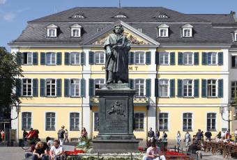 Klassenfahrtenfuchs - Klassenfahrt nach Bonn - Beethovendenkmal