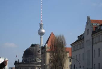 Klassenfahrtenfuchs - Klassenfahrten Berlin - Museumsinsel mit Fernsehturm