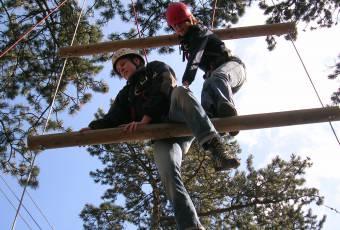 Erlebnispädagogische Klassenfahrt Prieros - Teamtraining - Klassenfahrtenfuchs - Riesenstrickleiter