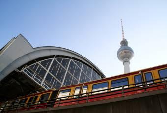 Klassenfahrtenfuchs - Klassenfahrt Berlin - Bahnhof Alexanderplatz