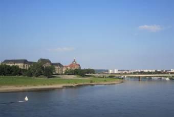 Klassenfahrtenfuchs - Klassenfahrt nach Dresden - Elbe bei Schloss Pillnitz