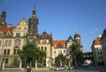 Klassenfahrtenfuchs - Klassenfahrt nach Dresden - Theaterplatz