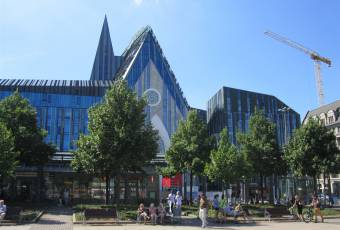 Klassenfahrtenfuchs - Klassenfahrt Leipzig - Neubau Universitätscampus mit Paulinerkirche