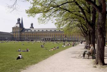 Klassenfahrtenfuchs - Klassenfahrt nach Bonn - Uni-Campus