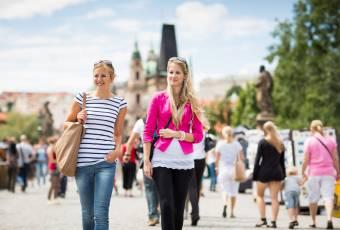 Klassenfahrtenfuchs - Klassenfahrt Prag - Schlendern auf der Karlsbrücke