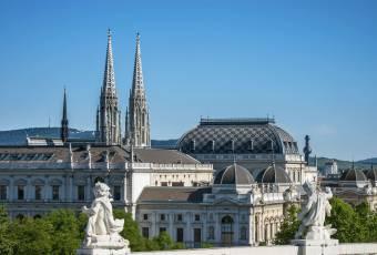 Klassenfahrtenfuchs - Klassenfahrt Wien - Votivkirche & Universität Wien
