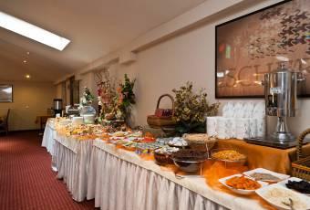 Klassenfahrtenfuchs - Klassenfahrt Krakau - Frühstücksbuffet