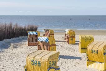 Klassenfahrtenfuchs - Klassenfahrt Cuxhaven - Strandkoerbe am Meer