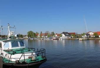 Klassenfahrtenfuchs - Klassenfahrt Greifswald - Wasser vorm MajuWi
