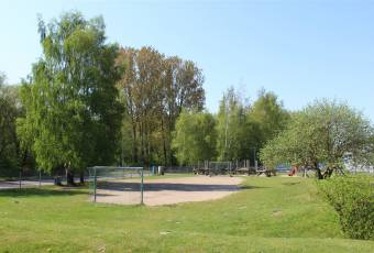 Klassenfahrtenfuchs - Klassenfahrt Greifswald - MaJuWi Bolzplatz