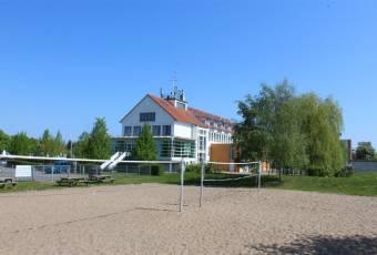 Klassenfahrtenfuchs - Klassenfahrt Greifswald - MaJuWi Volleyballplatz