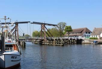 Klassenfahrtenfuchs - Klassenfahrt Greifswald - Wiecker Holzklappbrücke