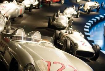 Klassenfahrtenfuchs - Klassenfahrt Stuttgart - Mercedes-Benz Museum