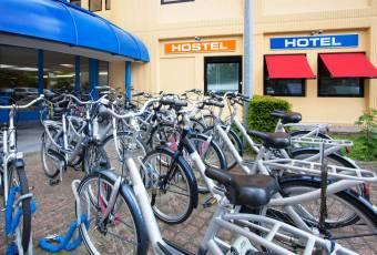 Klassenfahrt nach Amsterdam – Klassenfahrtenfuchs – A+O Hostel Amsterdam Fahrräder
