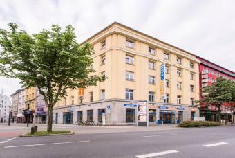 Klassenfahrt Ruhrgebiet - A&O Hostel Dortmund - Außenansicht