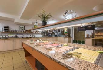 Klassenfahrt Ruhrgebiet - A&O Hostel Dortmund - Frühstücksbuffet
