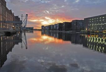 Klassenfahrtenfuchs - Klassenfahrt Ruhrgebiet - Duisburg - Innenhafen Abendstimmung