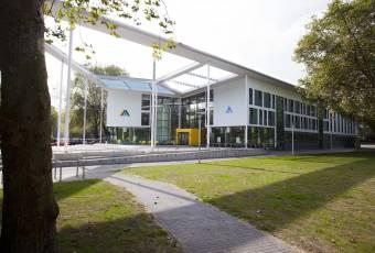 Klassenfahrtenfuchs - Klassenfahrt Duisburg - City Hostel Sportpark außen