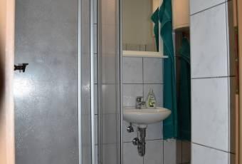 Klassenfahrtenfuchs - Klassenfahrt Dranske (Rügen) - Dusche und WC