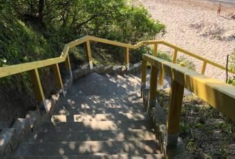 Klassenfahrtenfuchs - Klassenfahrt Dranske (Rügen) - Treppe zum Strand