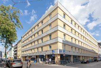 Klassenfahrtenfuchs - Klassenfahrt Köln - a&o Hostel Neumarkt - Hostel außen